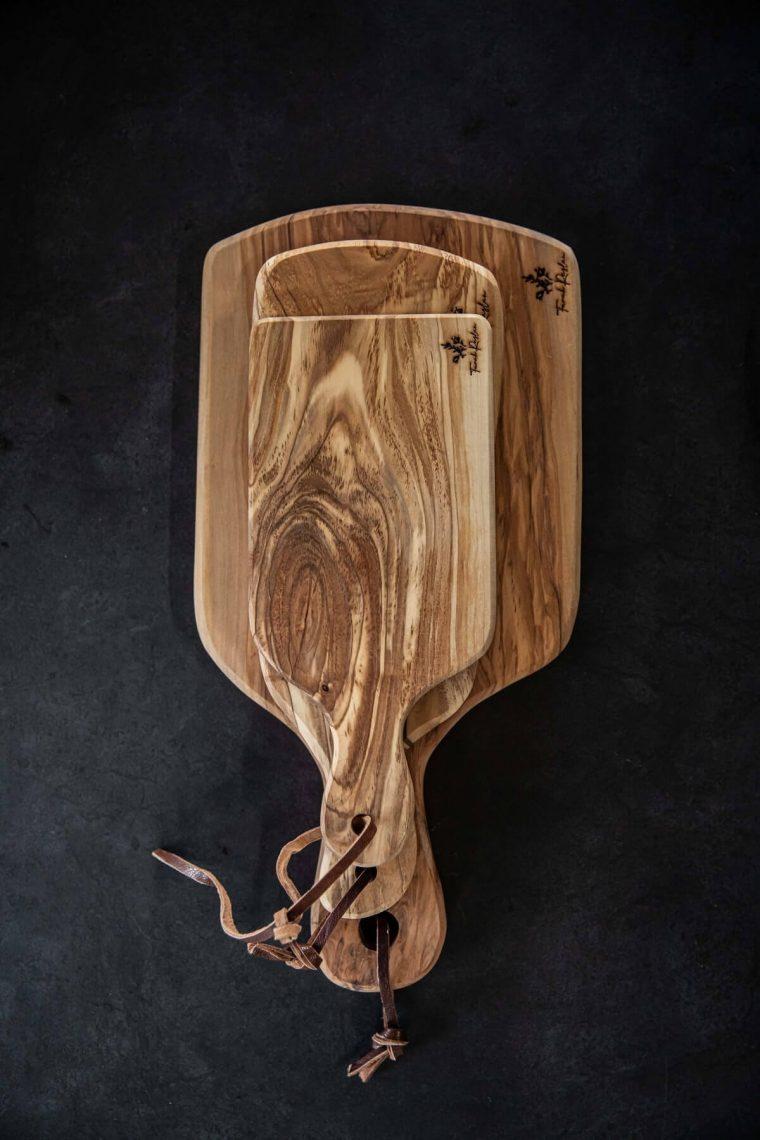 set-cutting board
